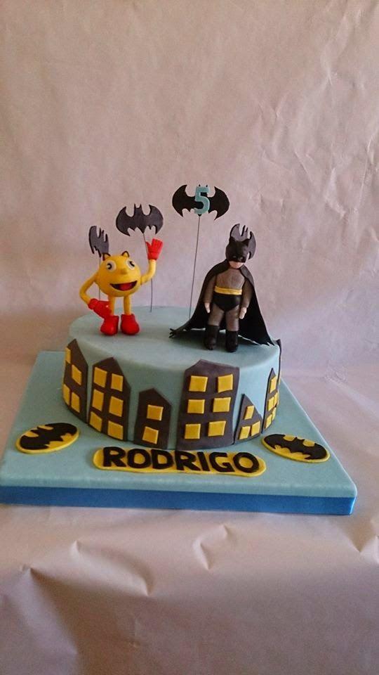 georgia´s cakes: BATMAN SI PAC-MAN