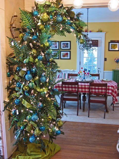 peacock tree Peacocks, Christmas tree and Holidays - peacock christmas decorations