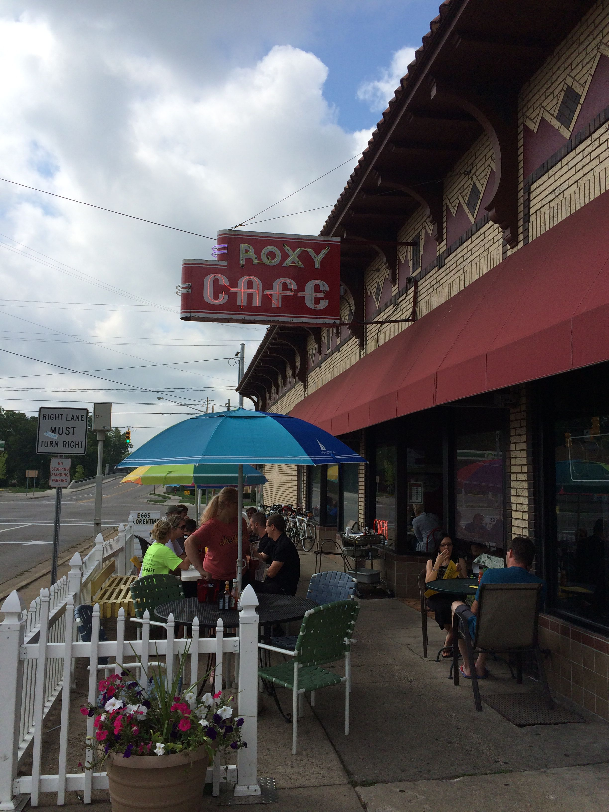 Roxy cafe Michigan