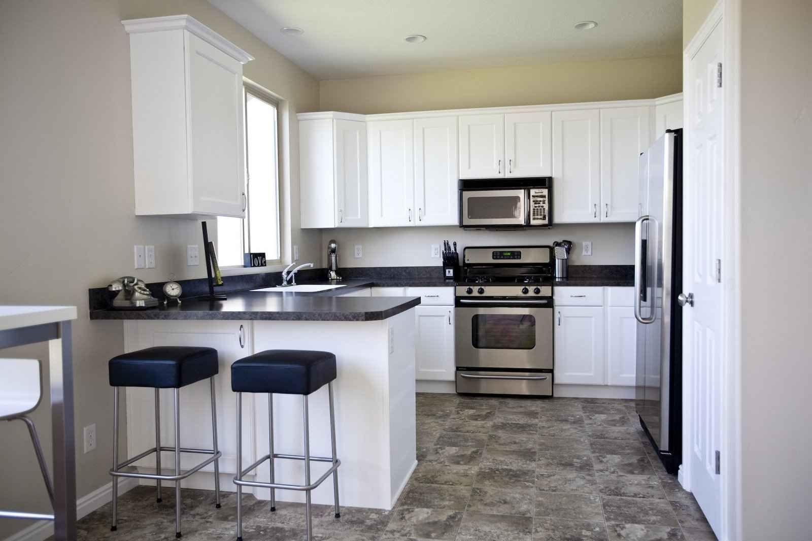wandbel ge k che designerideen f r badezimmer und wandbel ge f r k chen. Black Bedroom Furniture Sets. Home Design Ideas