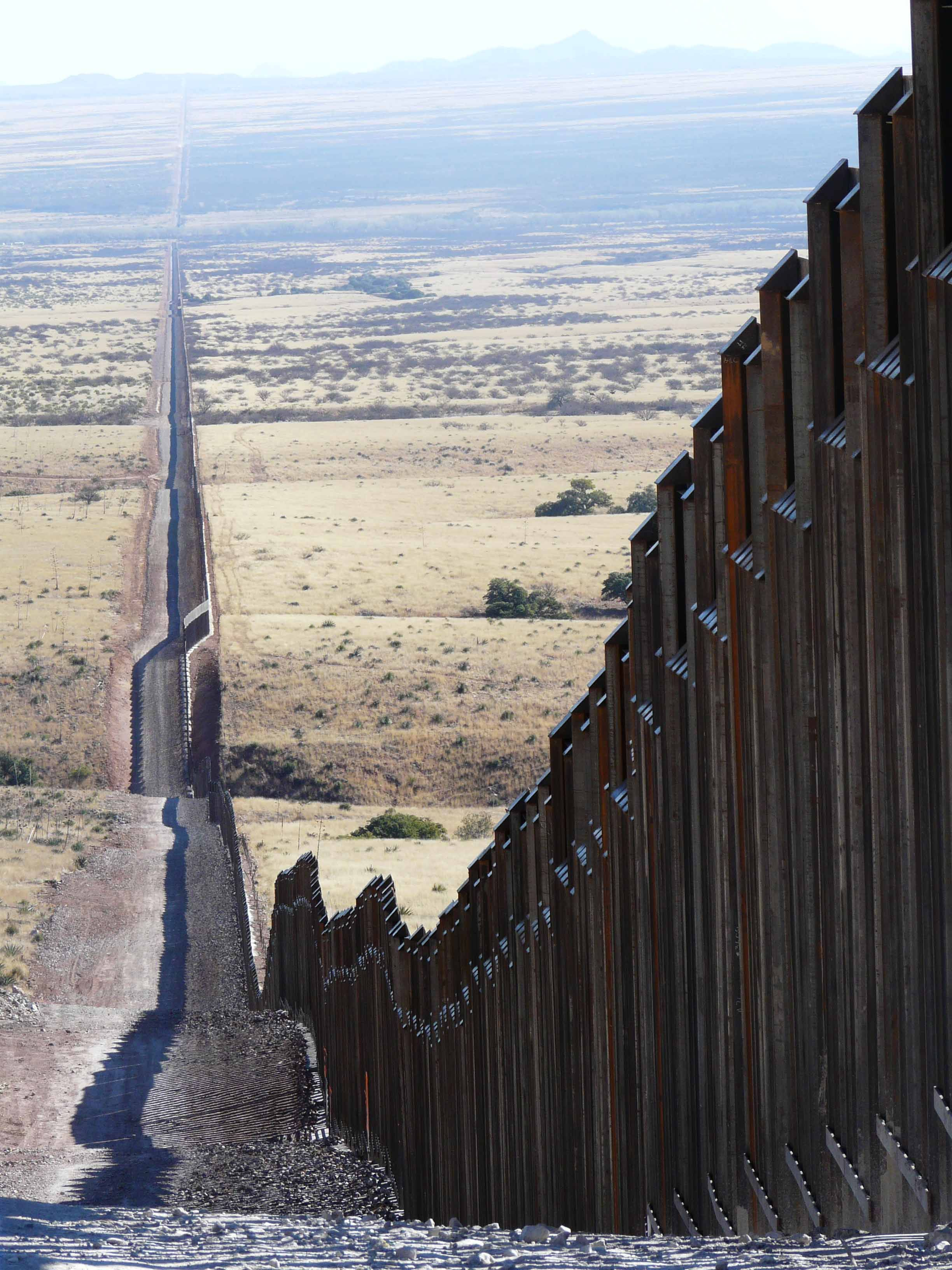 Border Fence | Mexican border, Mexico, Border