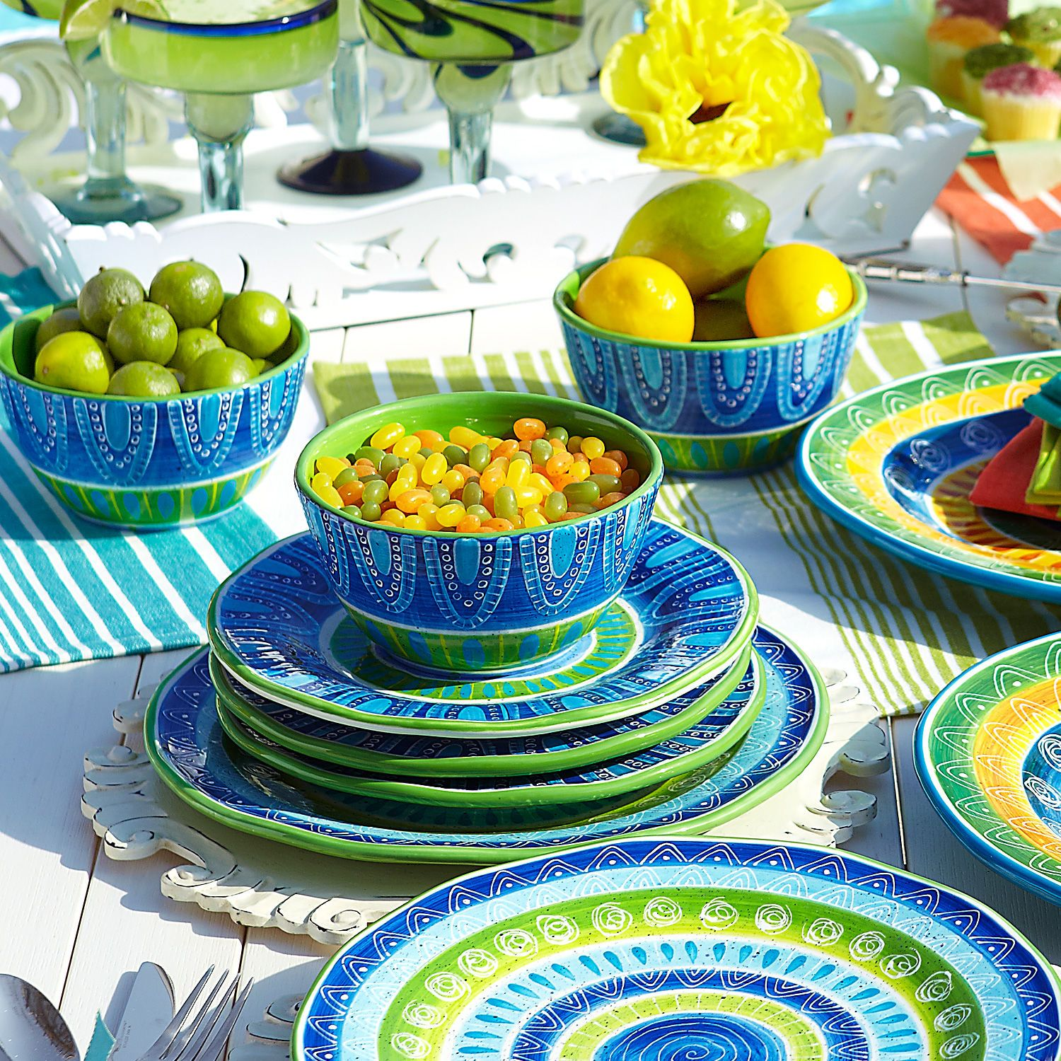 Cortez bowls in bright colors . Bright Bold and Beautiful  sc 1 st  Pinterest & Cortez Dinnerware for a colorful tablescape | Tablescapes ...