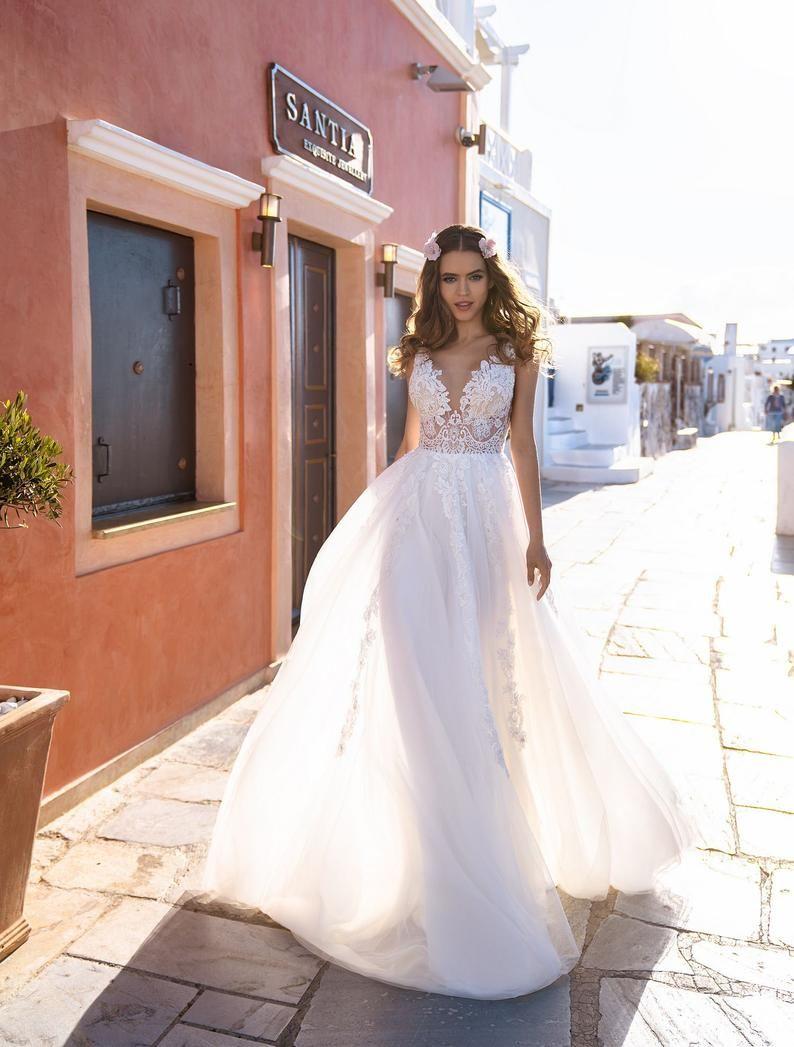 Light Wedding Dress 3d Lace Wedding Dress Summer Wedding Etsy Light Wedding Dresses Ivory Bridal Gown Summer Wedding Dress [ 1047 x 794 Pixel ]
