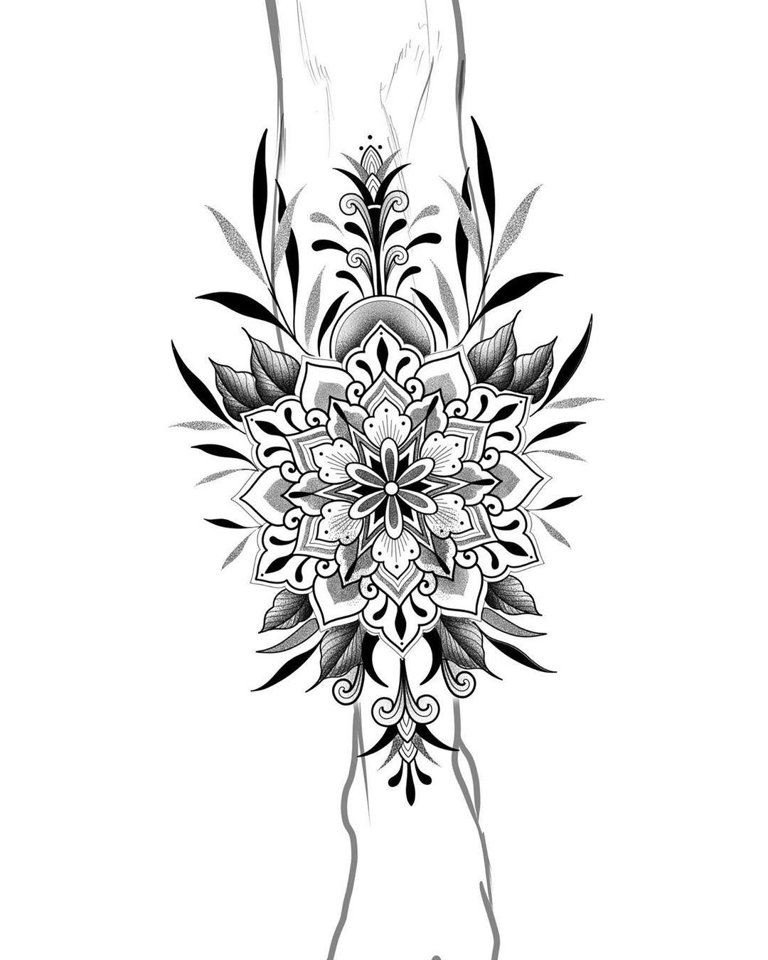 Projeto disponível para ser feito pós quarentena ✨ • Sugestões de local canela, panturrilha ou costas ⠀  Orçamentos pelo email marinasmaizel@gmail.com ⠀  __________________________  #tattoo #blacktattoo #blacktattoos #blackwork #bwbr #onlyblackart #blxckink #ttblackink #tguest #linework #tattoo2me #ornamentaltattoo #ornament #dotwork #dotworktattoo #tattoodo #ladytattoers #suntattoo #mandala #mandalatattoo #ornamenttattoo #ornamental #tttism #geometrip