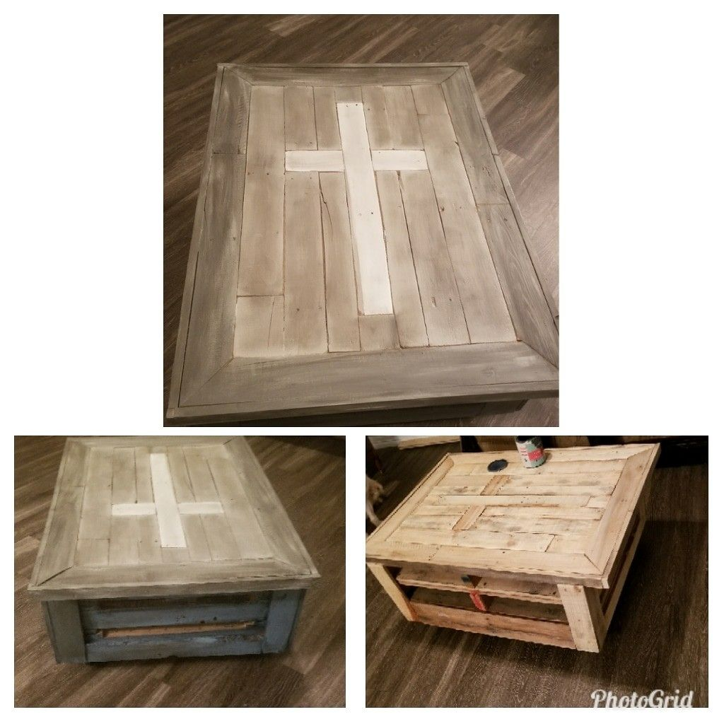 Pallet coffee table with rollers