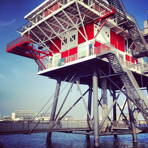 Rem eiland rem eiland is in a 3 story off shore platform for Architecture firm amsterdam