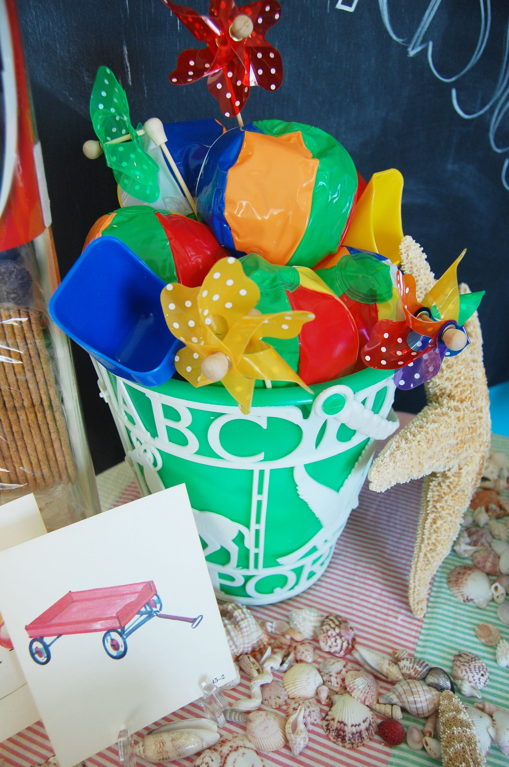 table center piece designed by lisa s gift wrappers for a beach
