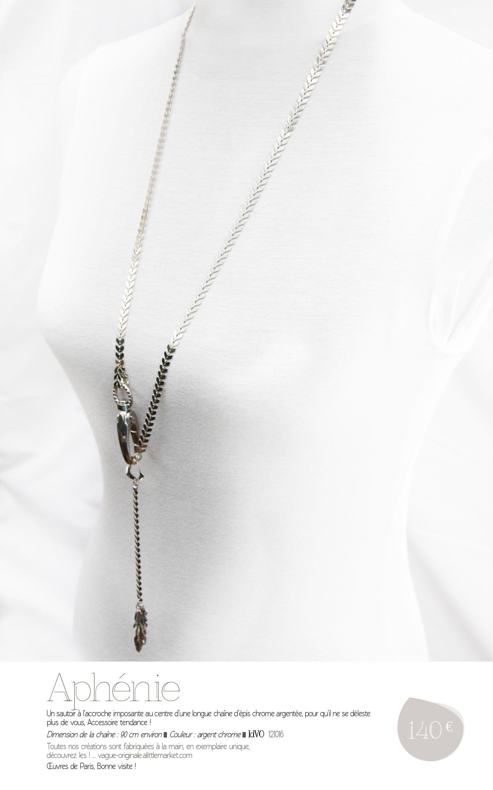 APHÉNIE, Sautoir Dimension de la chaîne : 90 cm environ ▀  Couleur : argent chrome ▀  IdVO  121016. Œuvres de Paris !