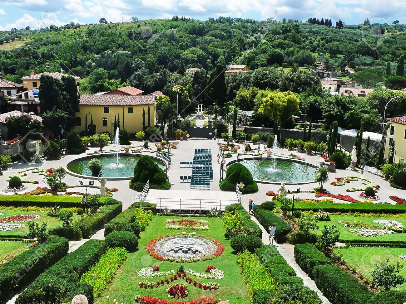 Italian garden in the park of villa garzoni collodi for Gardens and villa