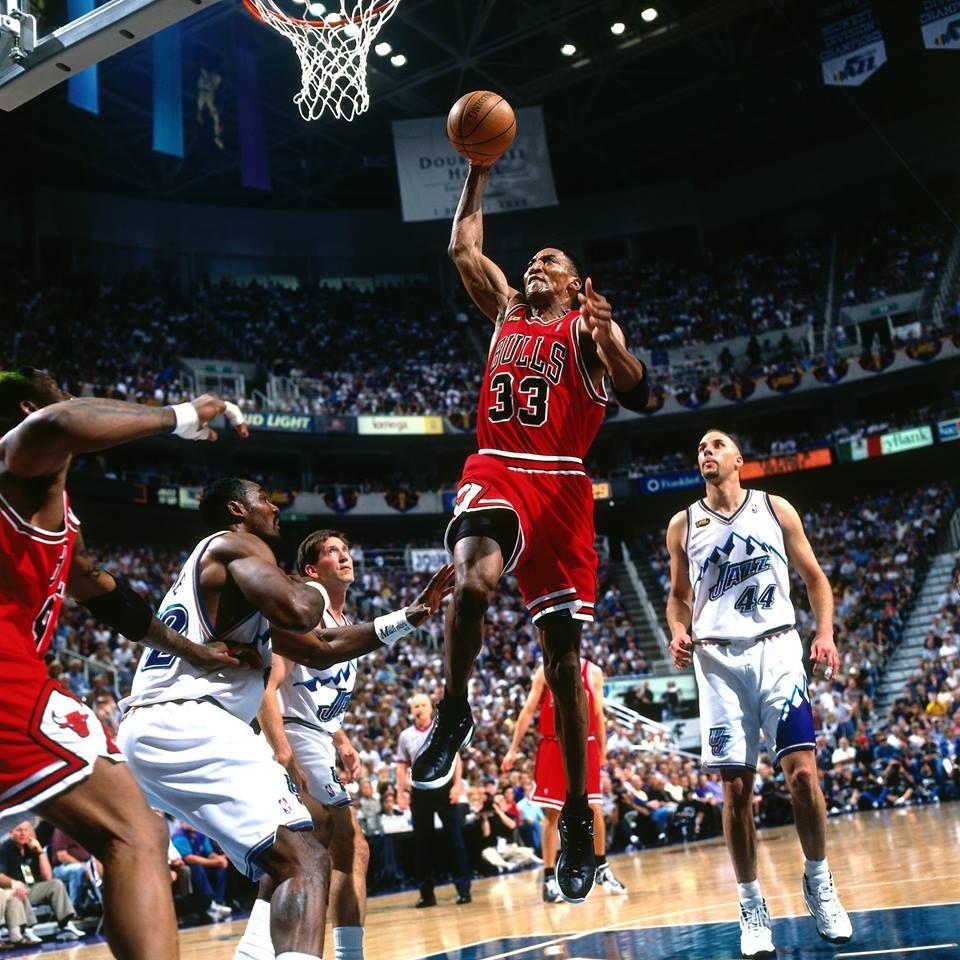 Pin By Ismael Gutierrez On Chicago Bulls Scottie Pippen Nba Finals Scottie