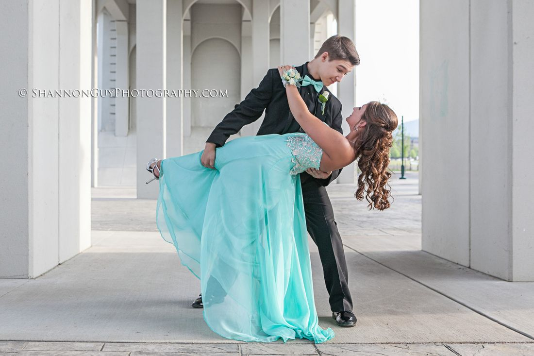 Prom couple photo - tiffany blue formal, teal formal - fun prom ...