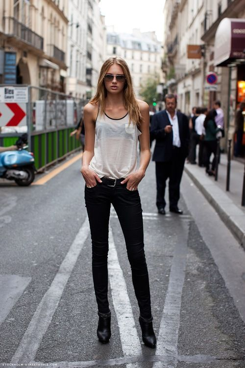 black skinny jeans white tank top, black leather ankle boots