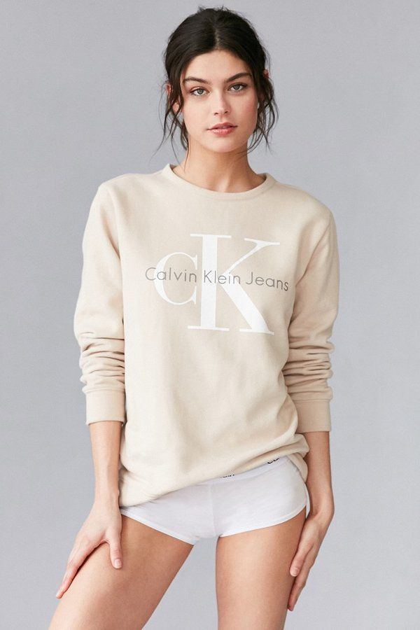 Urban Outfitters Calvin Klein For Uo Sweatshirt Calvin Klein Sweatshirts Calvin Klein Outfits Calvin Klein Hoodie