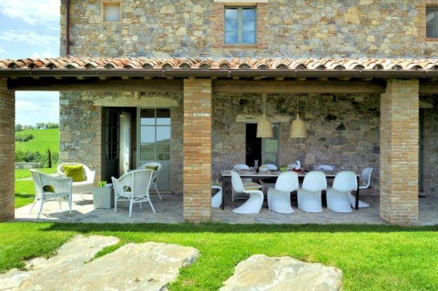 Ouderwetse toscaanse villa met verrassend modern interieur roomed inspiring - Buiten villa outs ...