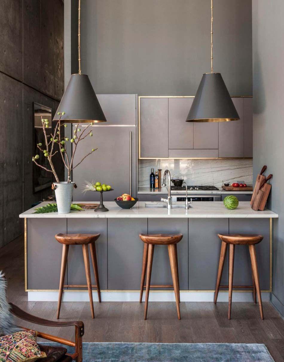 choix de couleurs tendances fonces pour cette petite cuisine design contemporain