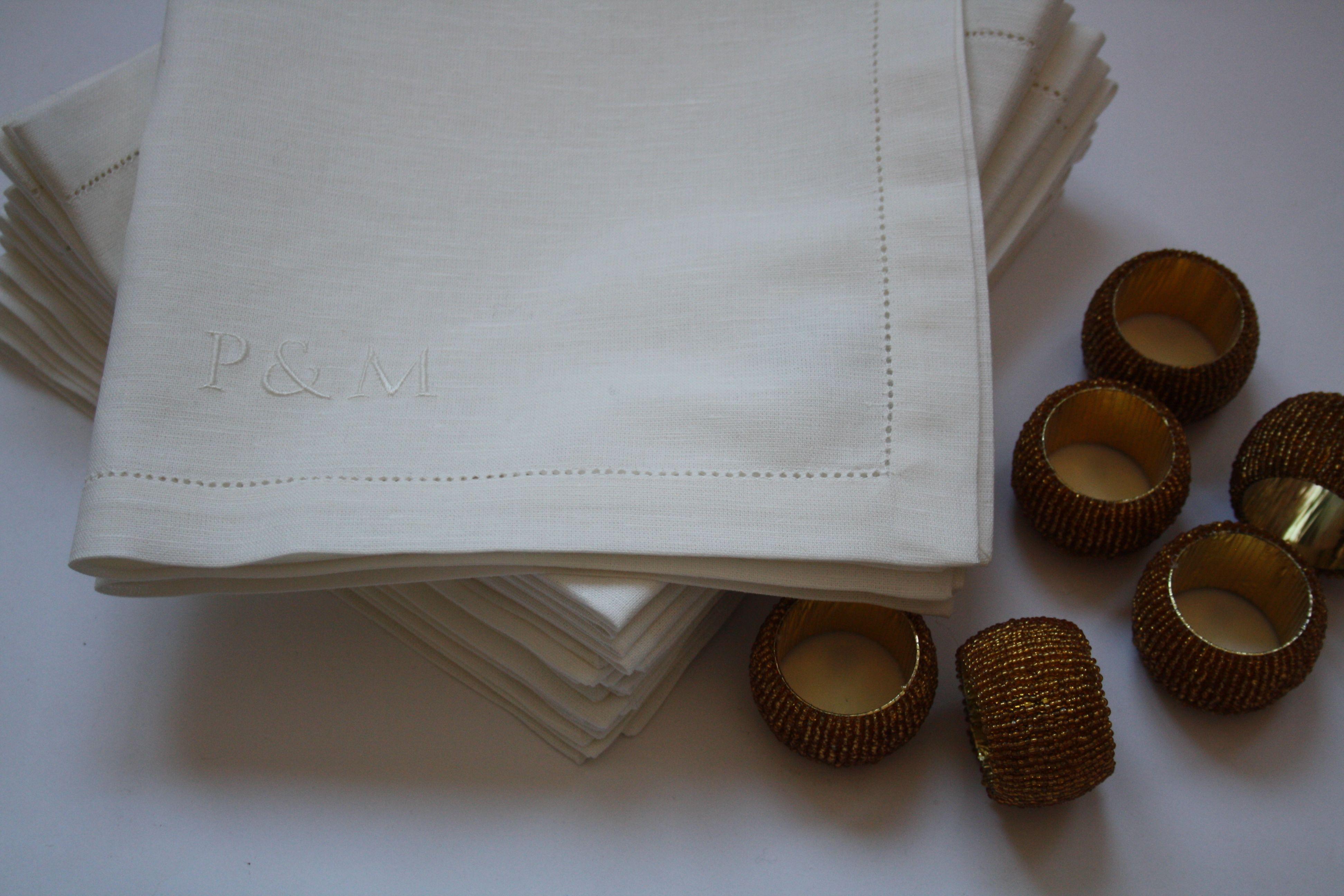 e55d7387fad Schitterende witte servetten met een ingeweven ajourrand in een mooie  linnen-katoen kwaliteit, subtiel