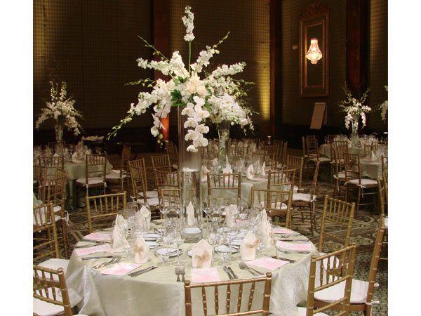 Arreglos florales para boda altos buscar con google for Arreglo de mesa para boda en jardin