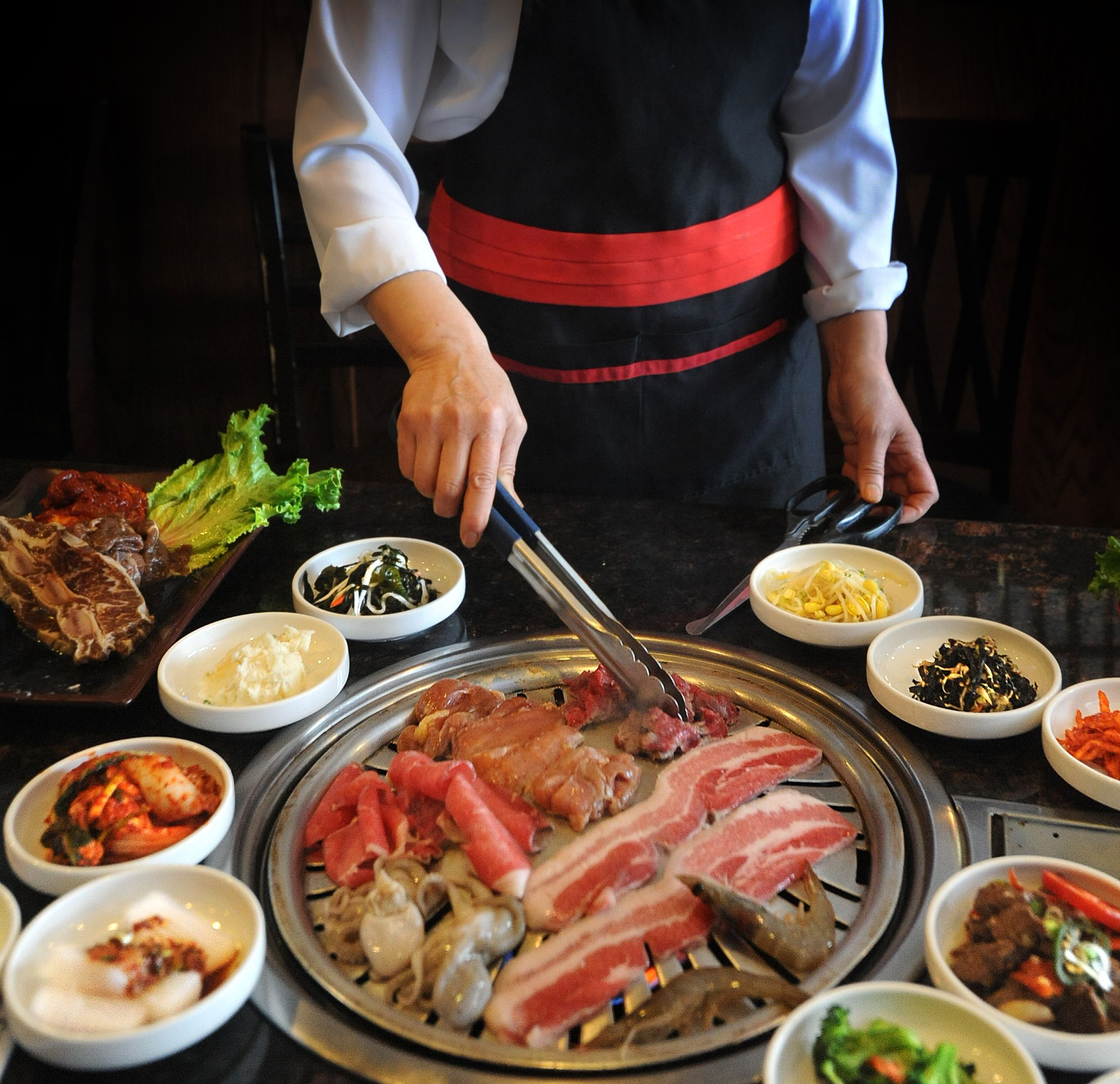 Go to a korean bbq restaurant travel eat pinterest - How to build a korean bbq table ...
