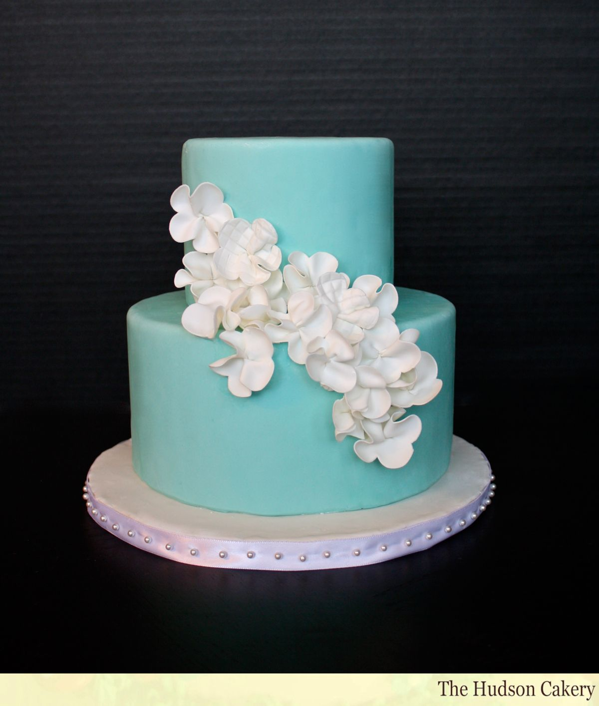 [100] [van earl cakes silver bling wedding cake] 162