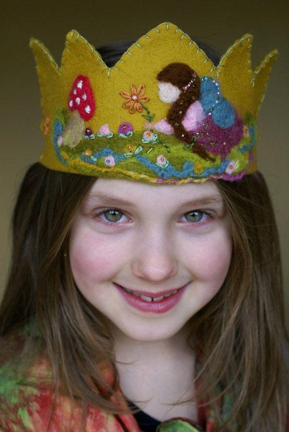 Adjustable handmade crown for toddlers Halloween crown made of wool blend felt Handmade pink felt crown for kids/' pretend play