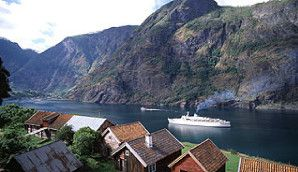 Cruise ship on the Aurlandsfjord, Flåm in Norway - Photo: Frithjof Fure/Innovation Norway