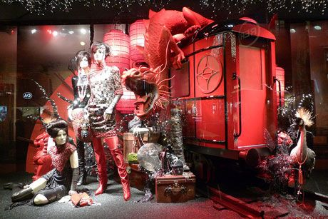 11 Examples of Best and not So Good Chinese New Year Window Display | The Visual Merchandising Blog