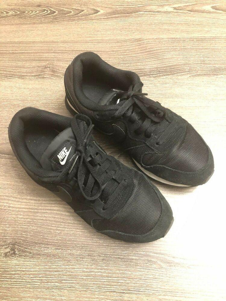 D1862 New Nike Women's MD Runner 2 Black Training Sneaker