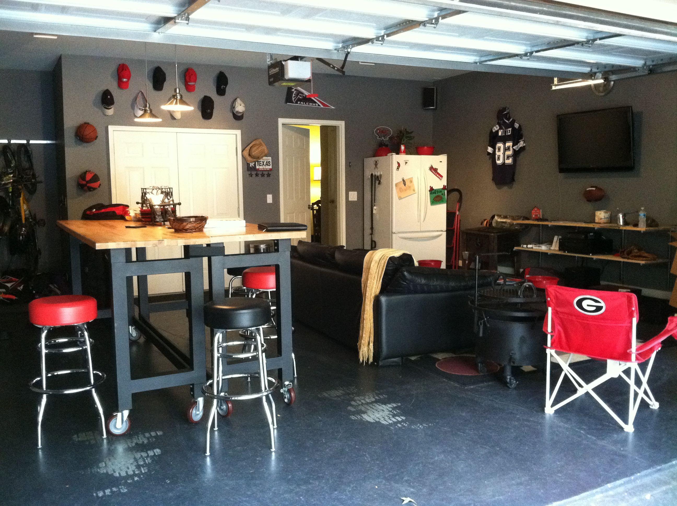 Garage Bar PJ Toups Garage Sports Bar MANLAND The Ultimate - Man cave garage bar