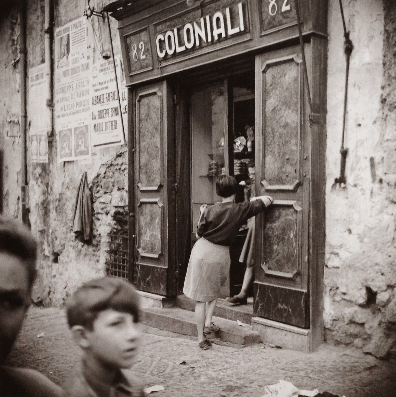 "memoryepsilon: ""Ercolano, Italy 1950's, Fosco Maraini. Italian (1912 - 2004) (Source: fotograficas oleograficas ) poboh """