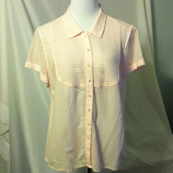 Tommy Hilfiger pale pink short sleeve blouse. 100% cotton. Swiss dot pattern. Tuxedo shirt inspired Tommy Hilfiger Tops Blouses