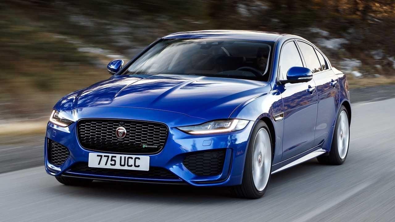 The New Jaguar Xe Provides An Improved Exterior Style All New Glamorous Interior And Advanced Technologies An Upgraded Exterior S Jaguar Xe Jaguar New Jaguar