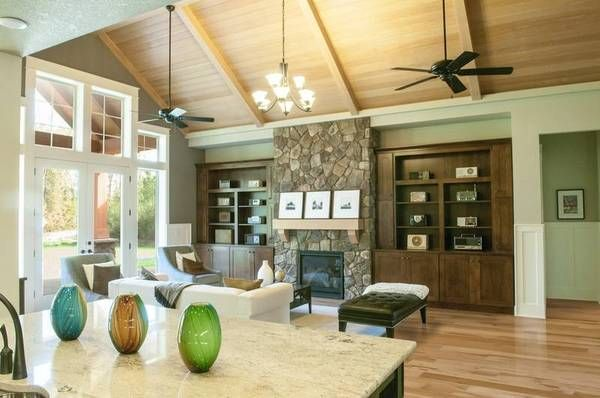 lodge home with vaulted ceiling in the livingroom house plan no