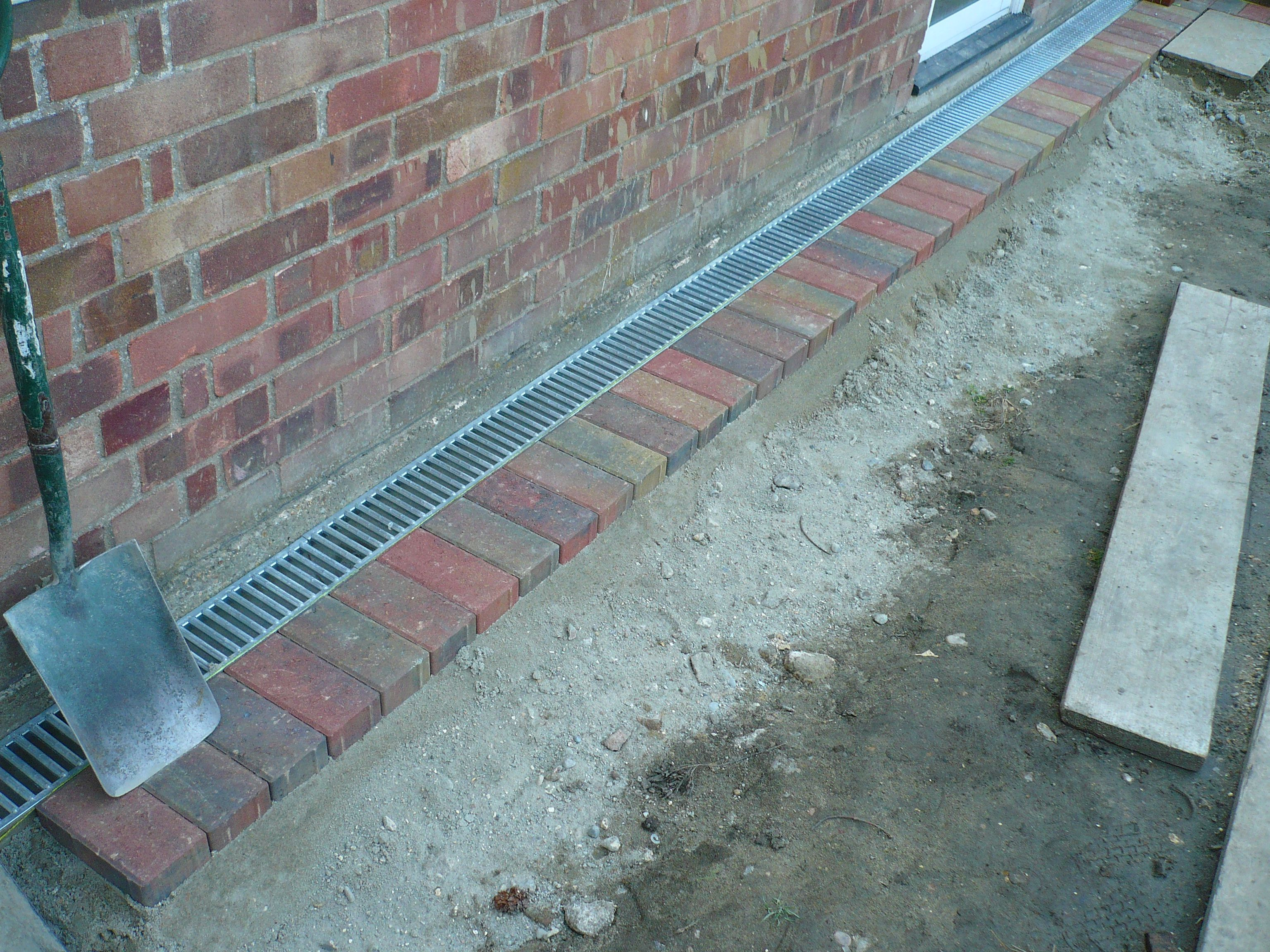 Block Paved Patio Edge With Drainage System