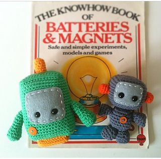 Crocheted entirely in Single Crochet stitches, these little robots would make a cute gift for boys and girls of all ages!