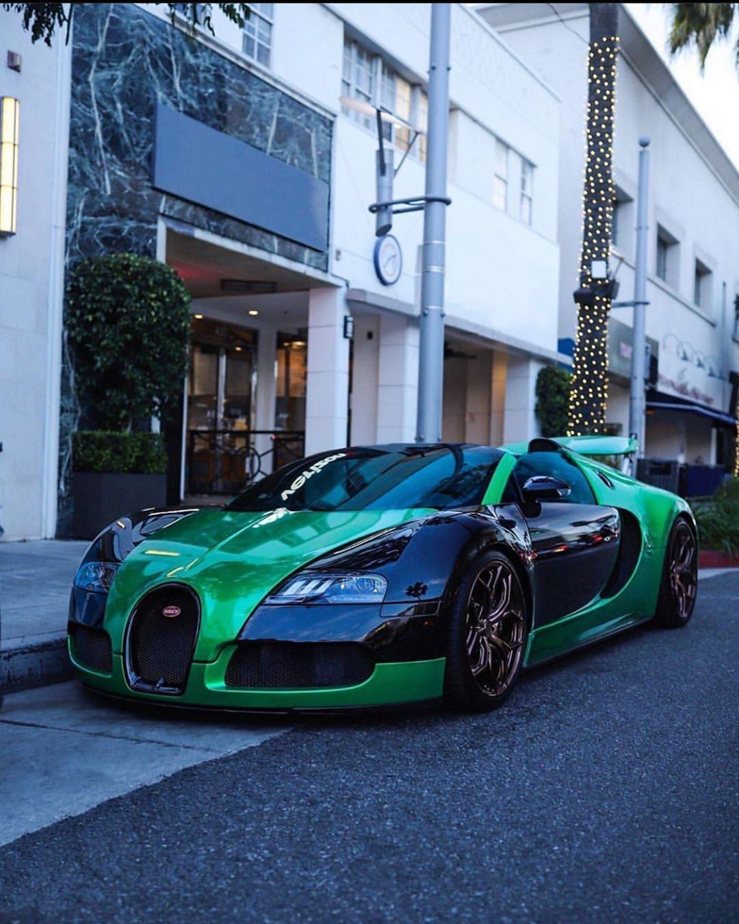 Bugatti Veyron Green: Pin On Luxury Car Lifestyle