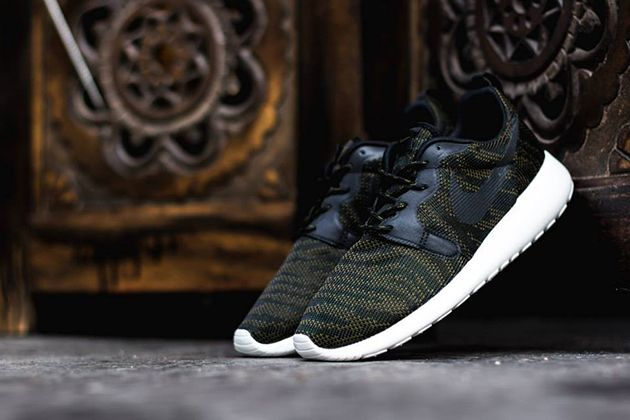 buy popular 4d9f8 a8d9b Nike Roshe Run Hyperfuse Premium WMNS-Faded Olive-Black-Sail-1