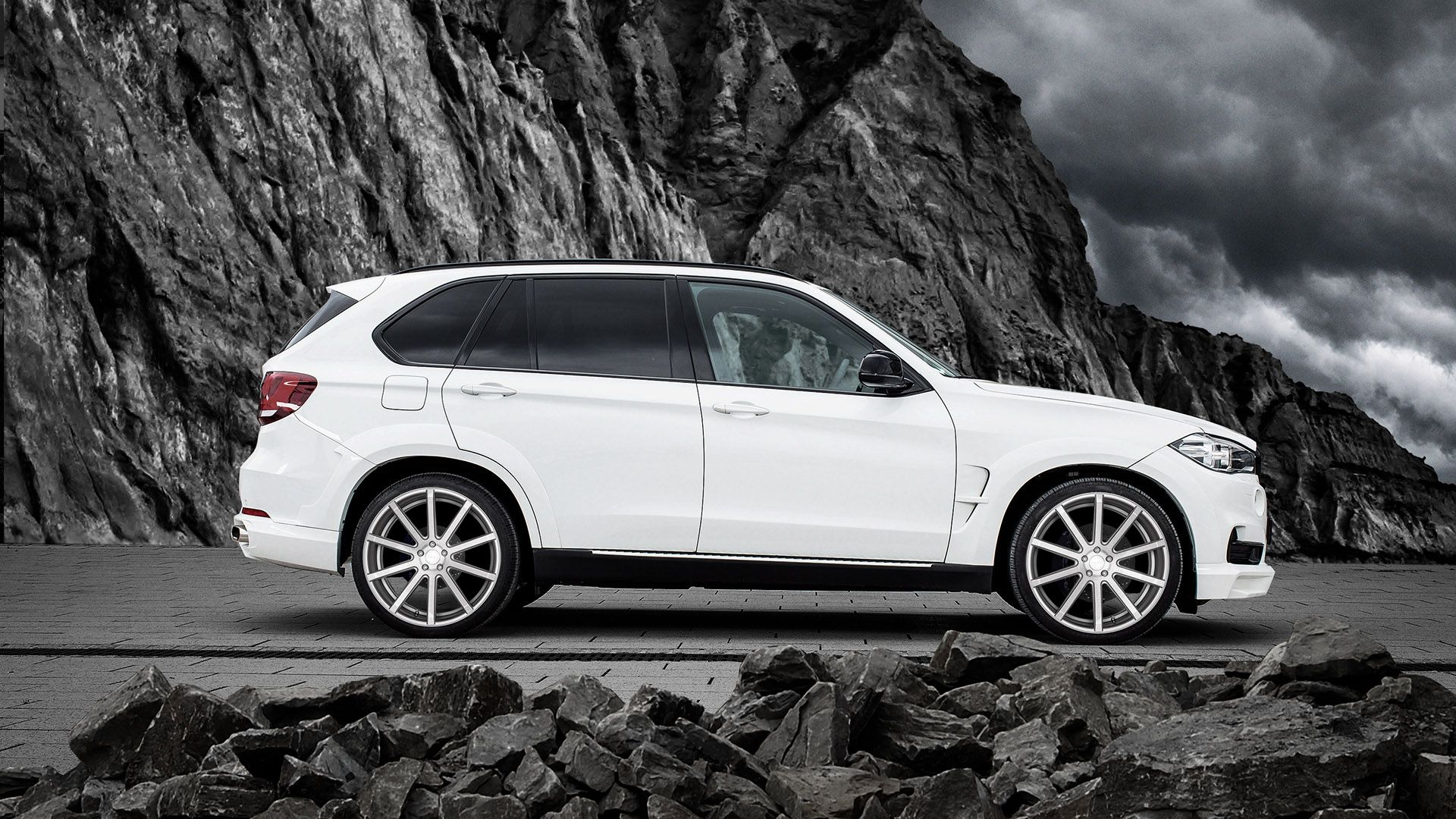 Jms experts make things cool with the bmw x5 racelook exclusive line 2016 jms bmw x5 f15 voltagebd Gallery