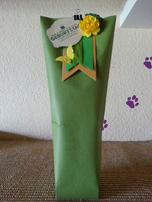 Box in a bag Flaschenverpackung.... Wimpeleinen, Bildlich gesprochen,  Eleganter Schmetterling,  Stiefmütterchen, Edikettenkunst...