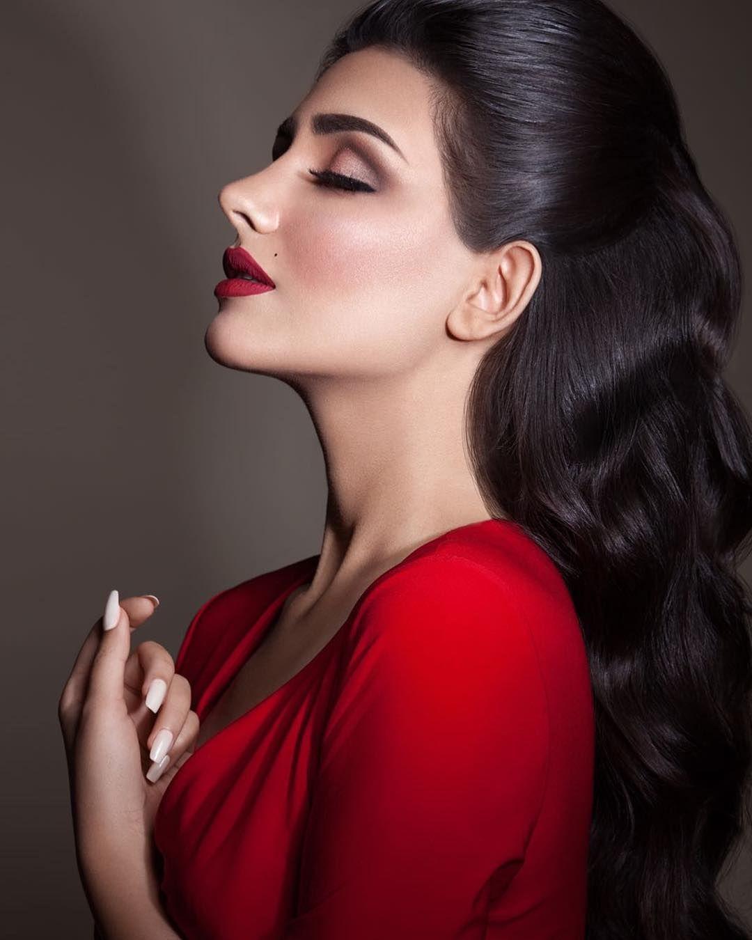 Image May Contain 1 Person Closeup Beauty Girl Wedding Hair And Makeup Beautiful Girl Face