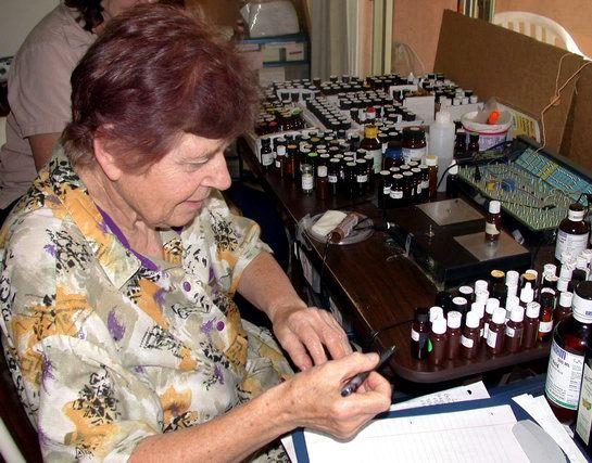 Ez az asszony több évtizede ismerte a rák gyógyításának titkát, miért nem hallgatott rá senki? - Segithetek.blog.hu