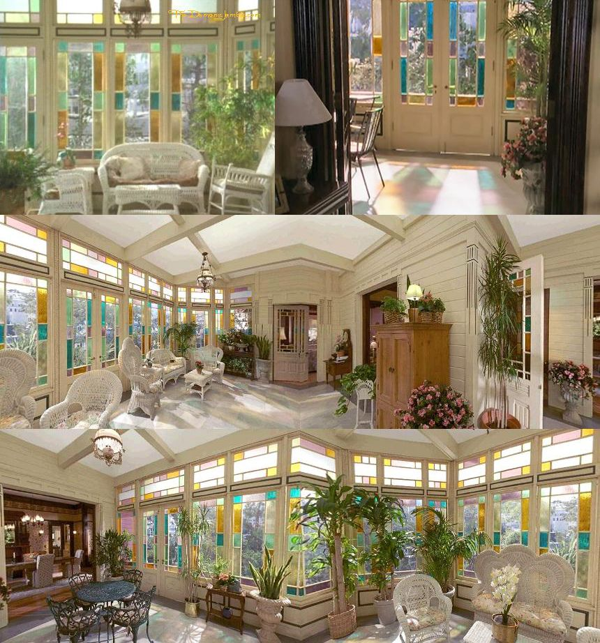 Esterno Casa Di Campagna halliwell manor conservatory stained glass windows | streghe