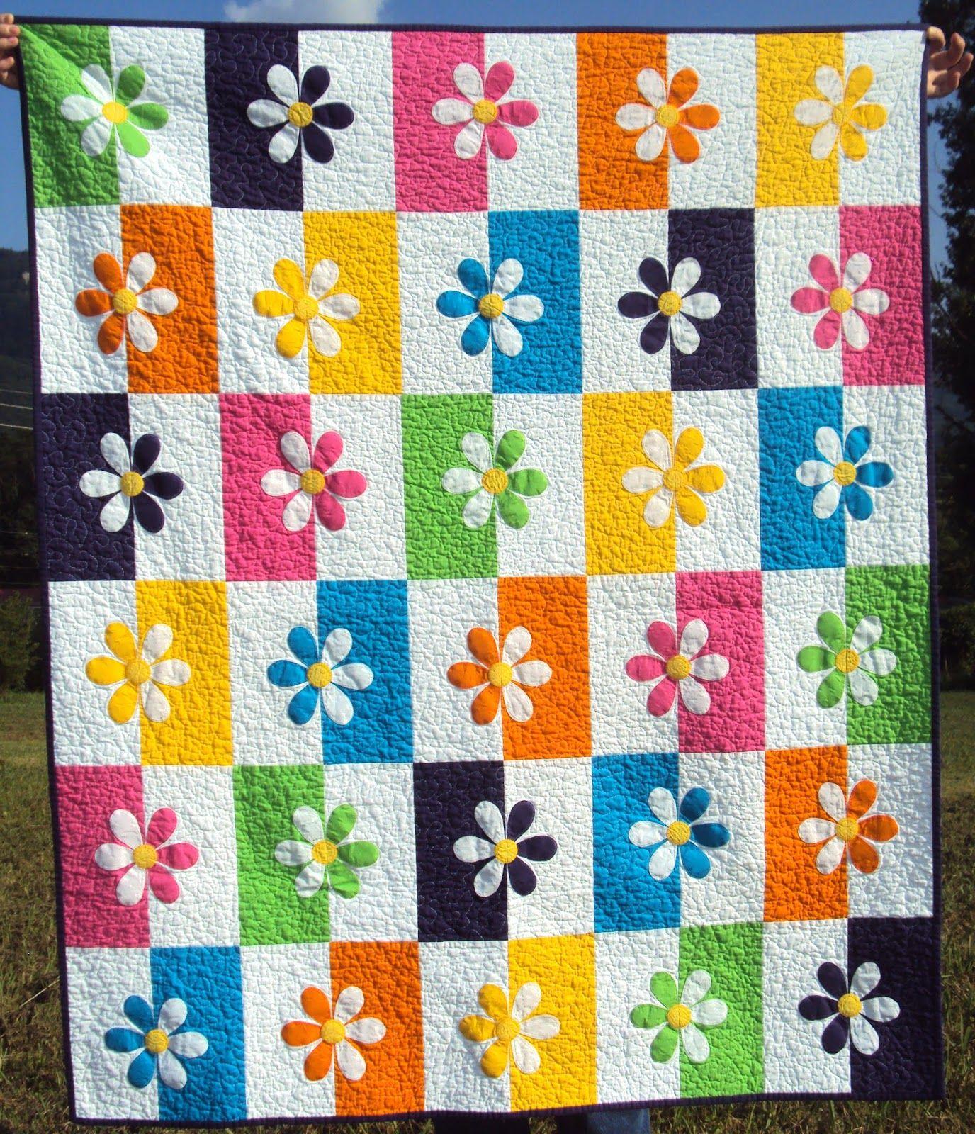 Goodbye Darling Lattice quilt in Paris Flea Market Plus quilt from ... : shadowed daisy quilt pattern free - Adamdwight.com