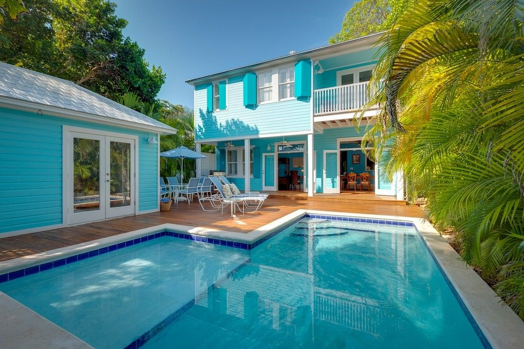 Pin By Traci Green On Cooking Pools Backyard Decor Small Backyard Pools Key West House Rentals