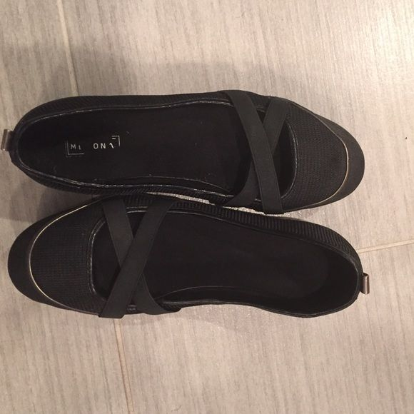 Merona Black Flats Wore them twice for work and found a different pair of black flats to wear. Comfortable if you are on the go throughout the day. Merona Shoes Flats & Loafers