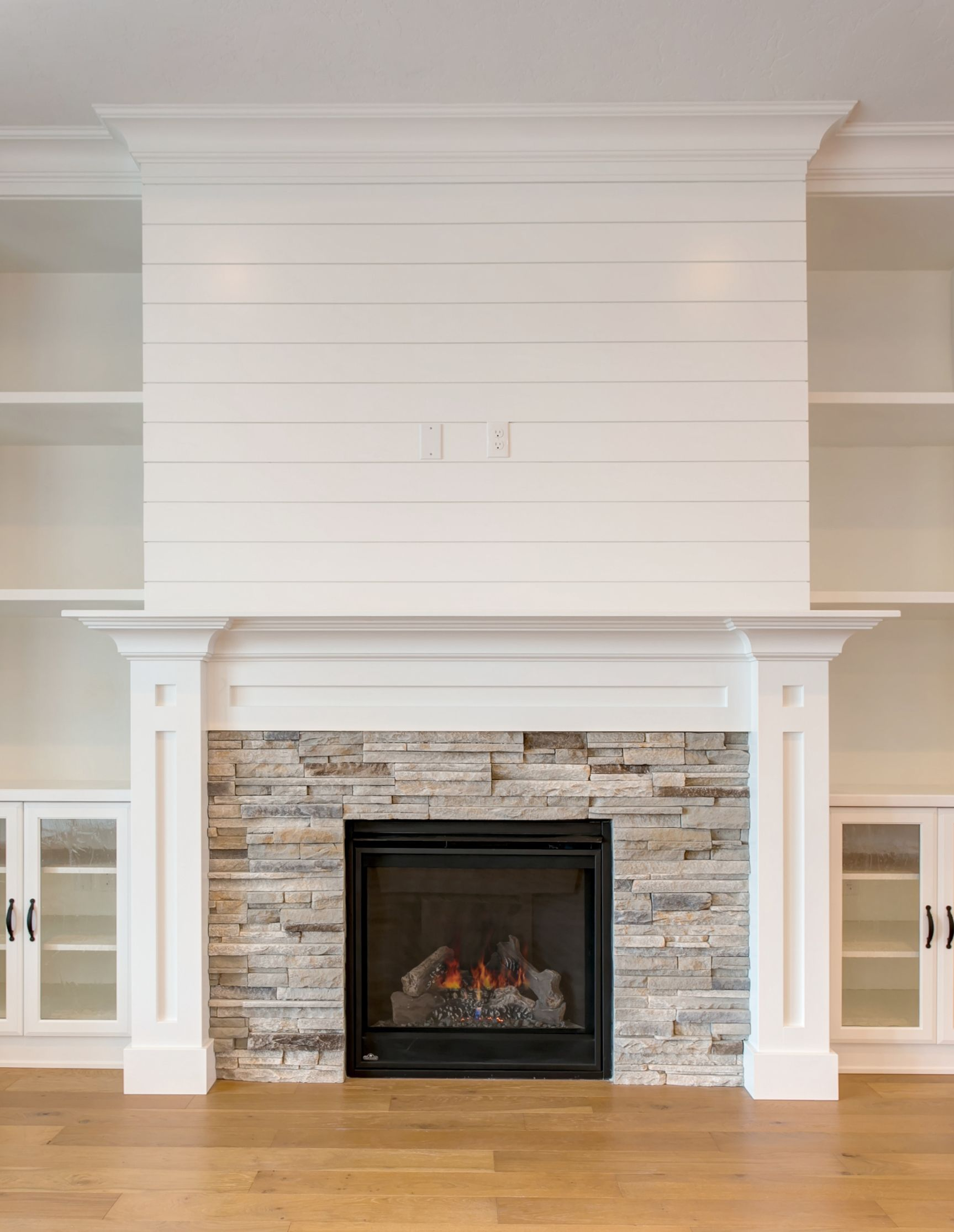 Building New Homes In Tri Cities Washington Fireplace Tile Surround Stone Fireplace Surround White Stone Fireplaces