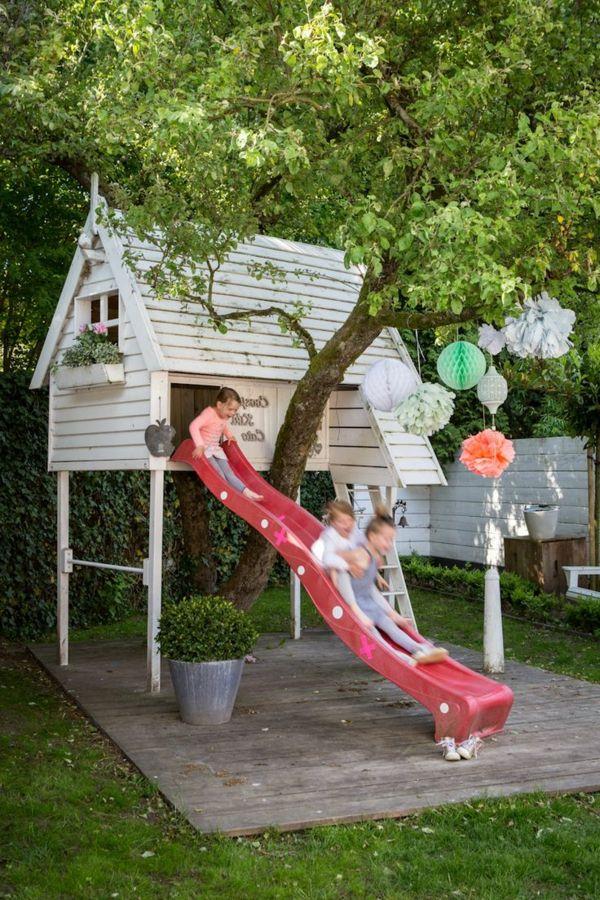 kinderhaus mit rutsche zum spielen in dem eigenen garten bauen outdoor spielplatz pinterest. Black Bedroom Furniture Sets. Home Design Ideas