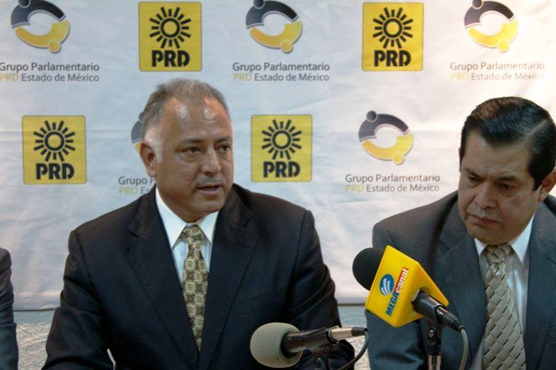 Asesinan a expresidente municipal Perredista de Tepetlaoctoc - http://www.notimundo.com.mx/mexico/asesinan-expresidente-tepetlaoctoc/