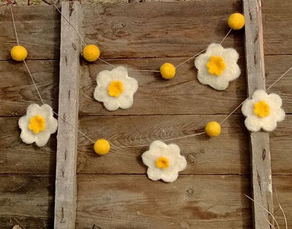 Spring Easter Garland Needle felt ornament felt flowers felted balls Yellow while narcissus Home Décor Wool Nursery Party decor Wedding