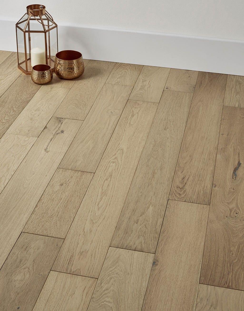Loft Vanilla Oak Brushed Engineered wood floors, Oak