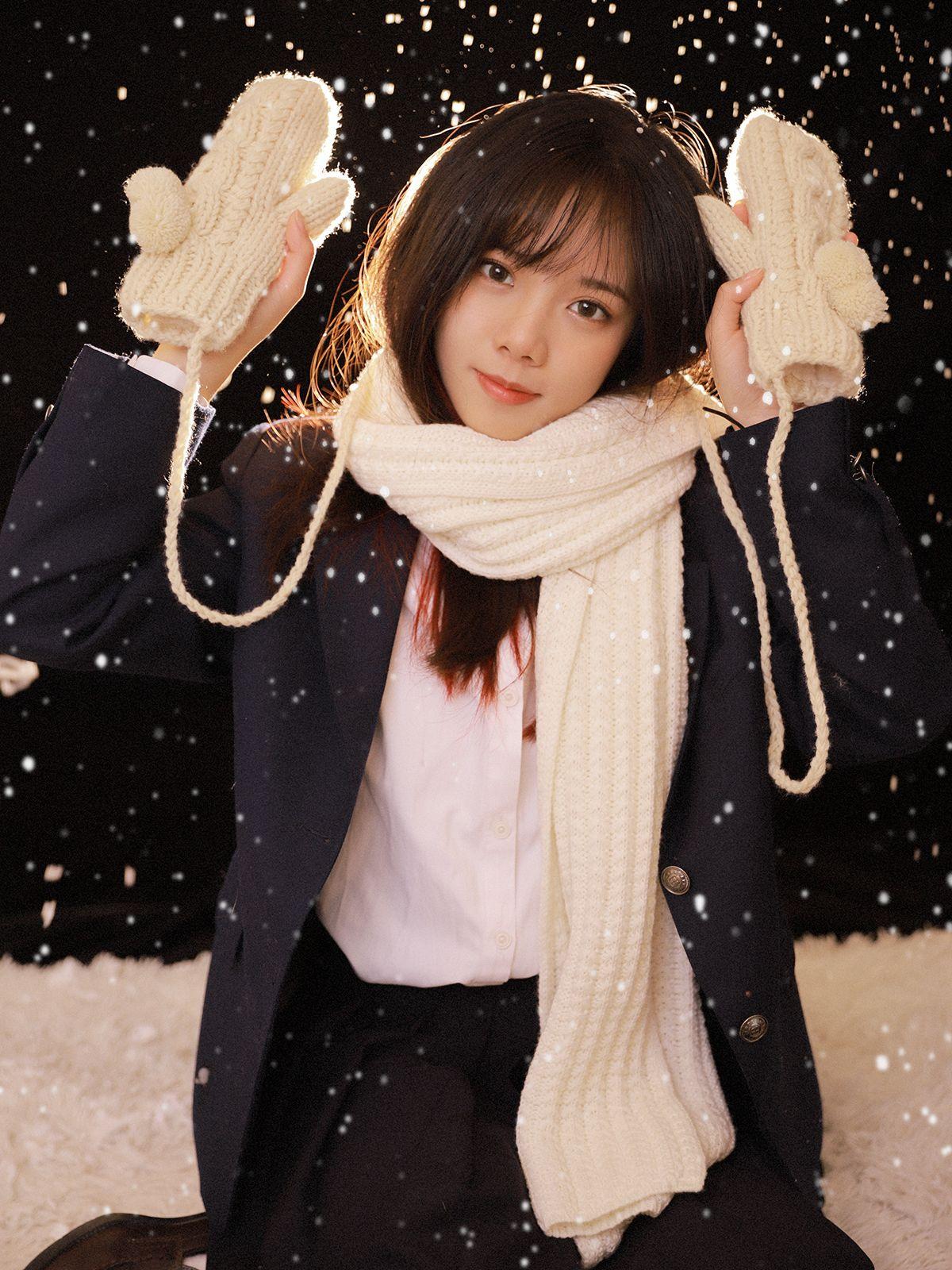 今年的第一場初雪,可以玩雪真高興 #制服美少女 #瀏海》#Cute #Girl #Pretty #Girls #漂亮 #可愛 #青春活力